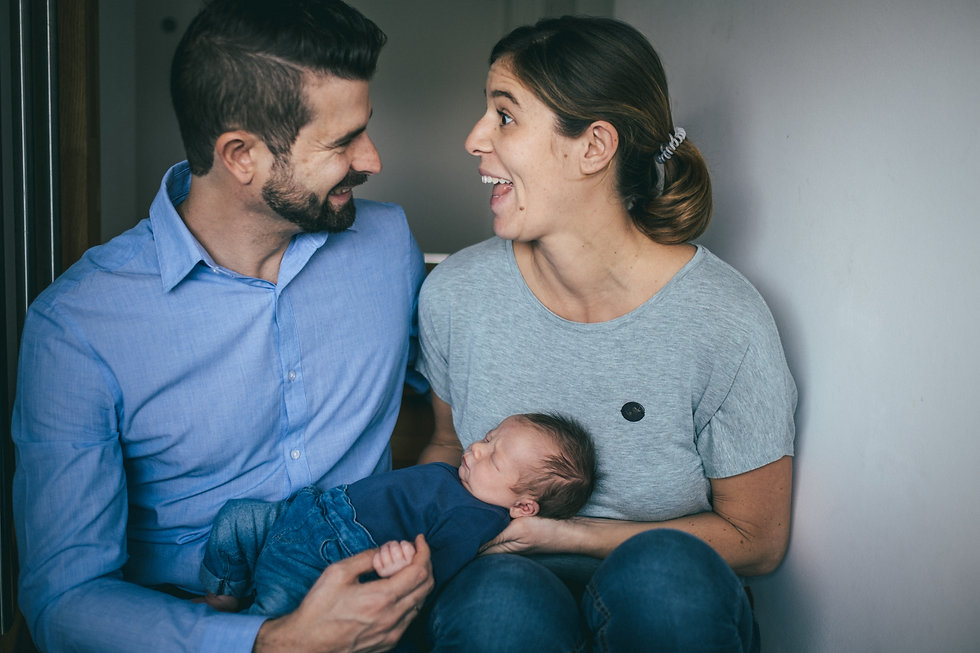 Spitzen Babyfotograf in Wien, Newbornshooting, Babyfotos, Familien Fotoshooting, Wien, Österreich