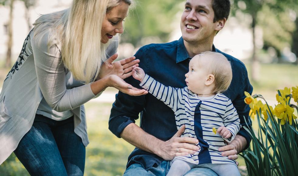 besondere Familienmomente festhalten mit Familienfotos Wien, dein Babyfotograf, Familien Fotoshooting, Outdoor, Fotograf Wien, Tulln, Stockerau, Klosterneuburg