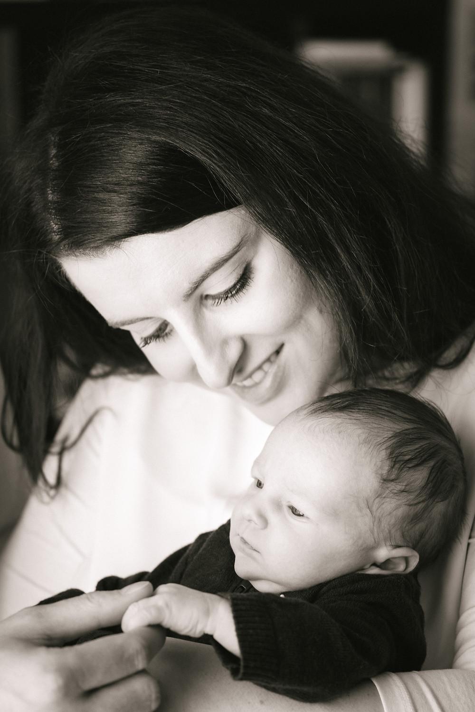 Newborn Fotoshooting Wien, Familienfotos mit Baby, Babyfotograf Wien, Babyfotos