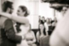 ungestellte Hochzeitsfotografie Tulln, Hochzeitsfotograf Krems, Klosterneuburg Hochzeitsfotos, Fotograf Tulln, schwarz weiß Hochzeitsrepotage Stockerau, Wien