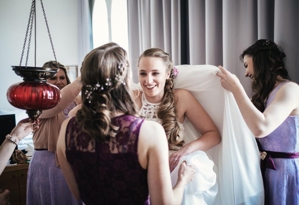Brautkleid, Hochzeitsfotograf Niederösterreich, besondere Hochzeitsmomente Tulln, Krems, St. Pölten,