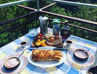 Casa di papooch breakfast shot.jpg