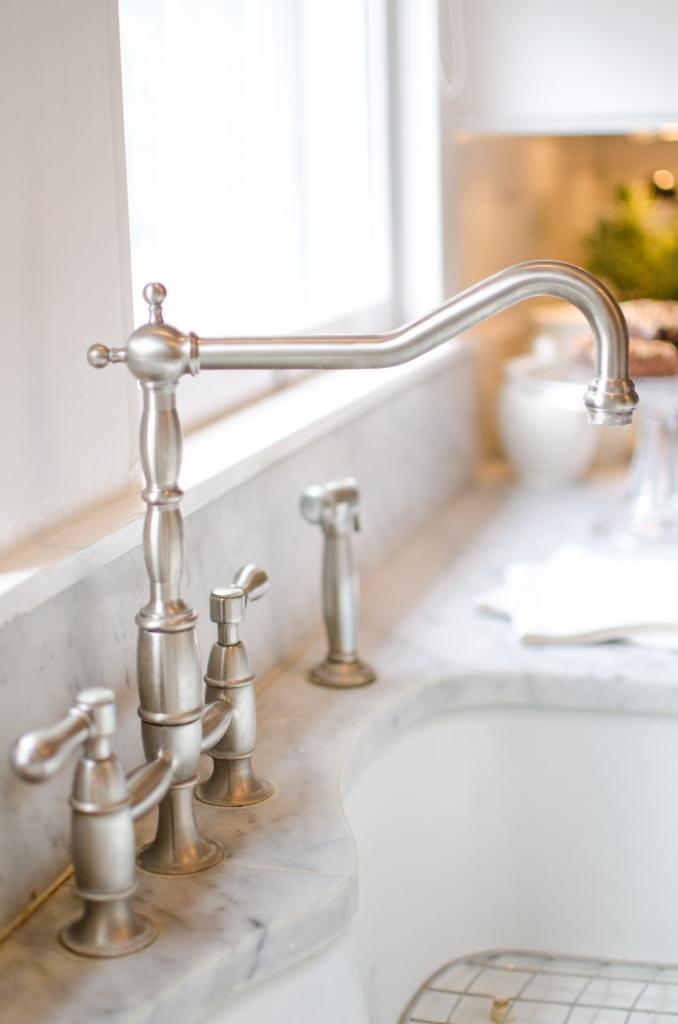 kitchen+faucet