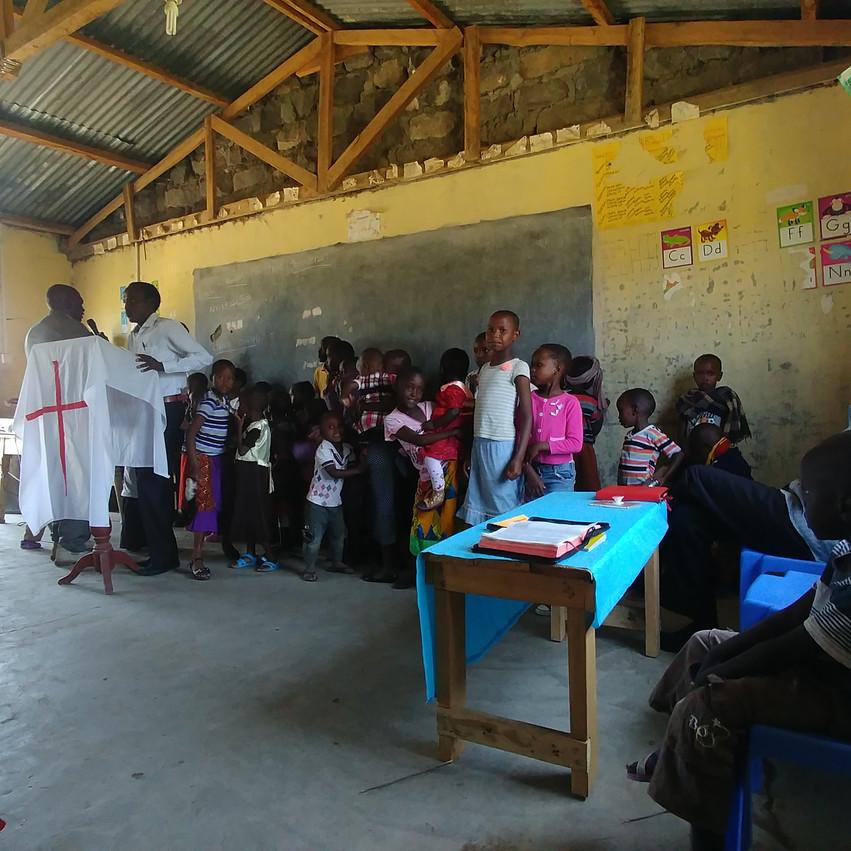 Chants et danses pendant la messe