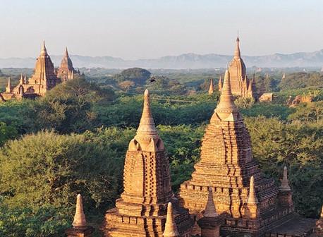 "Bagan - Pagodes et ""lacquerware"""