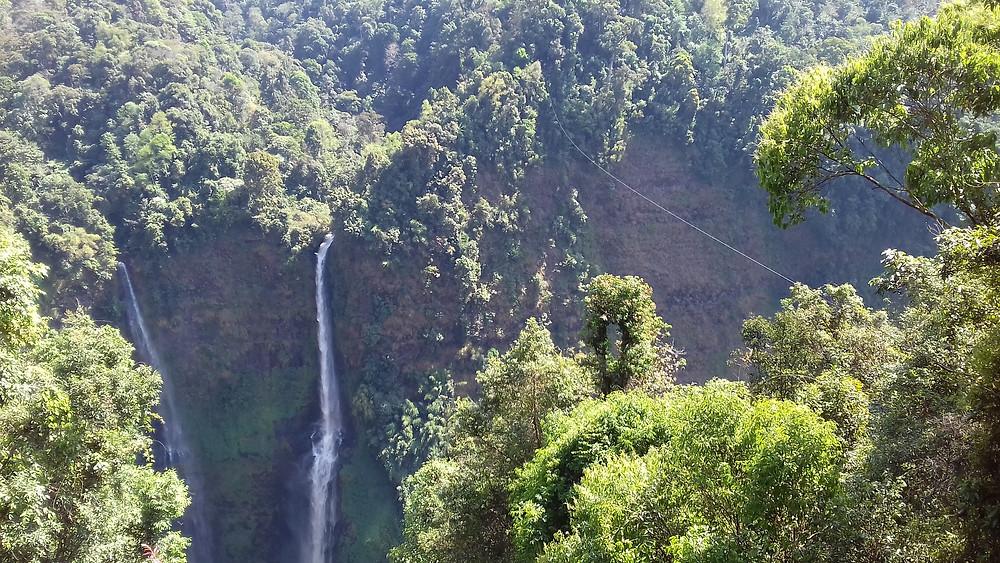 Les cascades et leur tyrolienne de fou