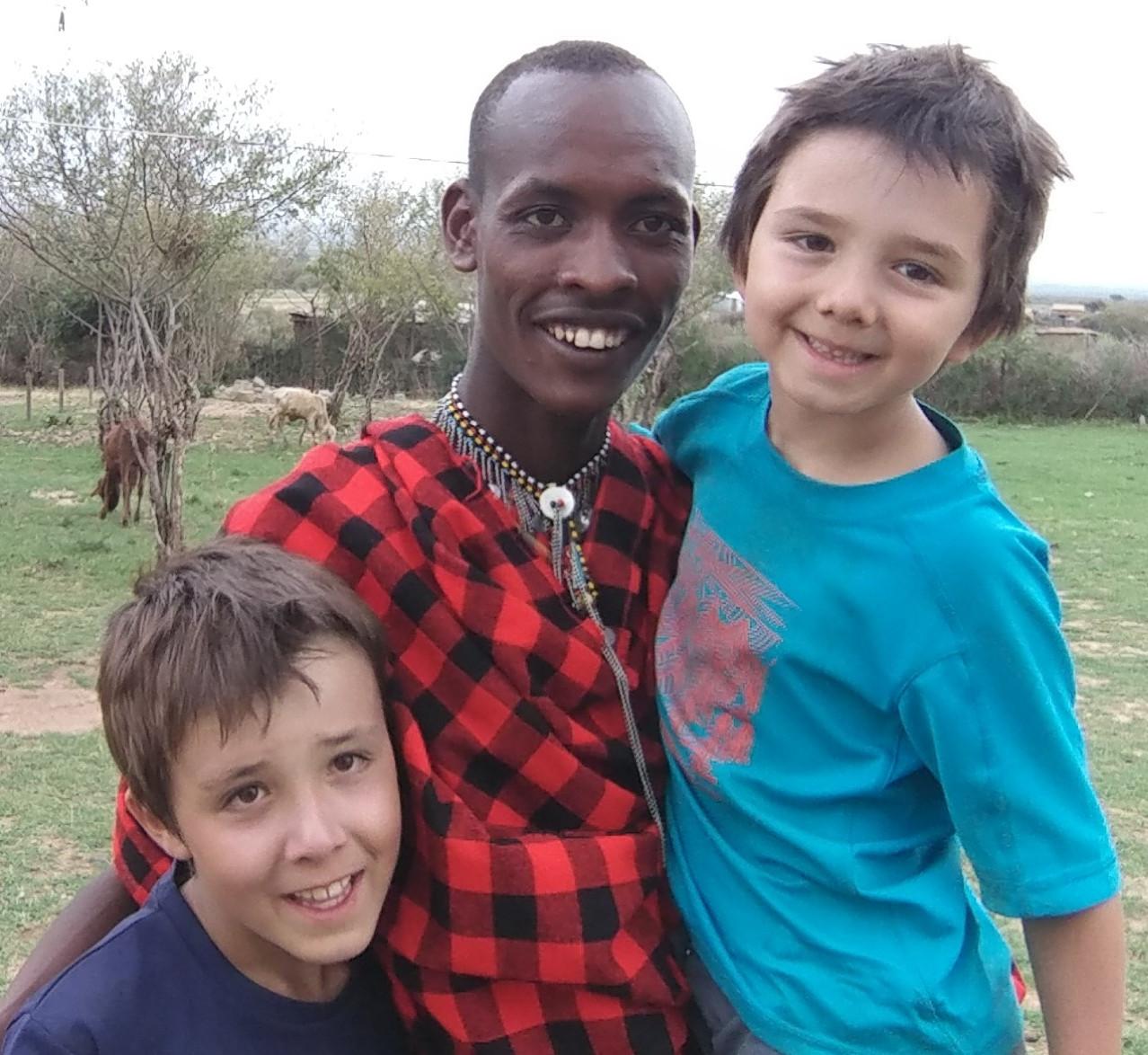 Shinka et nos deux petits Maasaïs