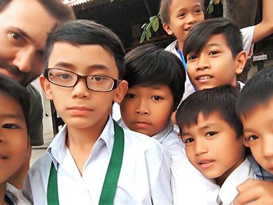 Phnom Penh, entre espoir et barbarie