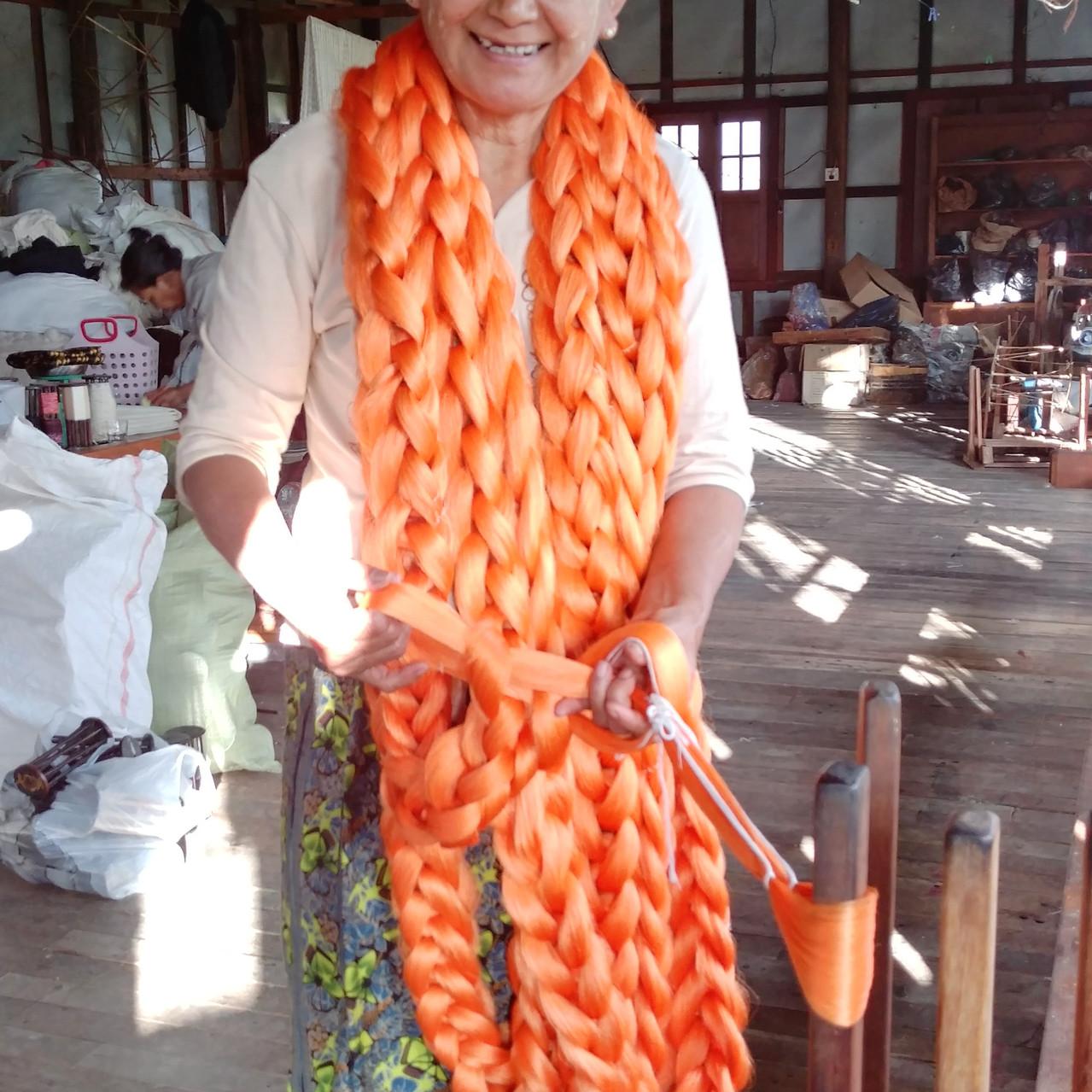 Tissage de la soie et du lotus