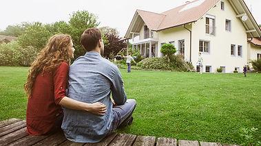 homeowner_insurance_675024491_842x474.jp