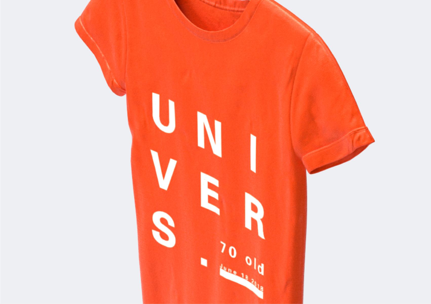 Univers-T-shirt