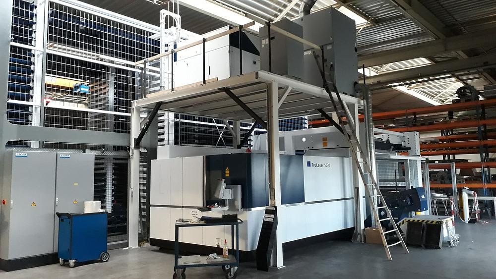 Fiber Lasersnijmachine gekoppeld aan Stopa plaat magazijn met 220 palletplaatsen