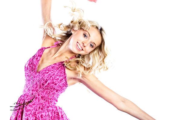 ピンクで踊ります
