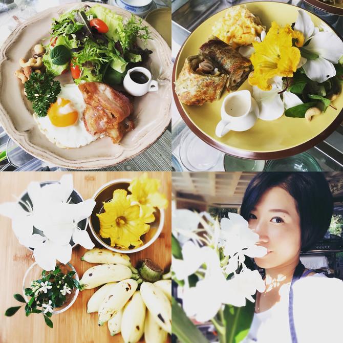 每天當太陽公公升起時🌥⛅️🌤☀️6am🕕秘密花園的廚房也開始迎接忙碌的一天💪美麗的花園🌹🌸🌼🌻美麗的villa,🏡美麗的早餐,☕️🥦🥕🌽🥪➕➕➕➕➕最美麗的女大廚😘#營養早