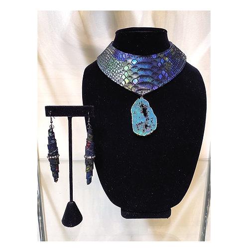 Torc Pendant Necklace Set