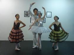 Foto+divulgação+Espetáculo+2012+-+Cinderela+-+Giuliana+Takahira+(Drizella),+Joen
