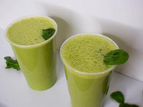 Green Smoothie: What I am having for breakfast/DINNER?