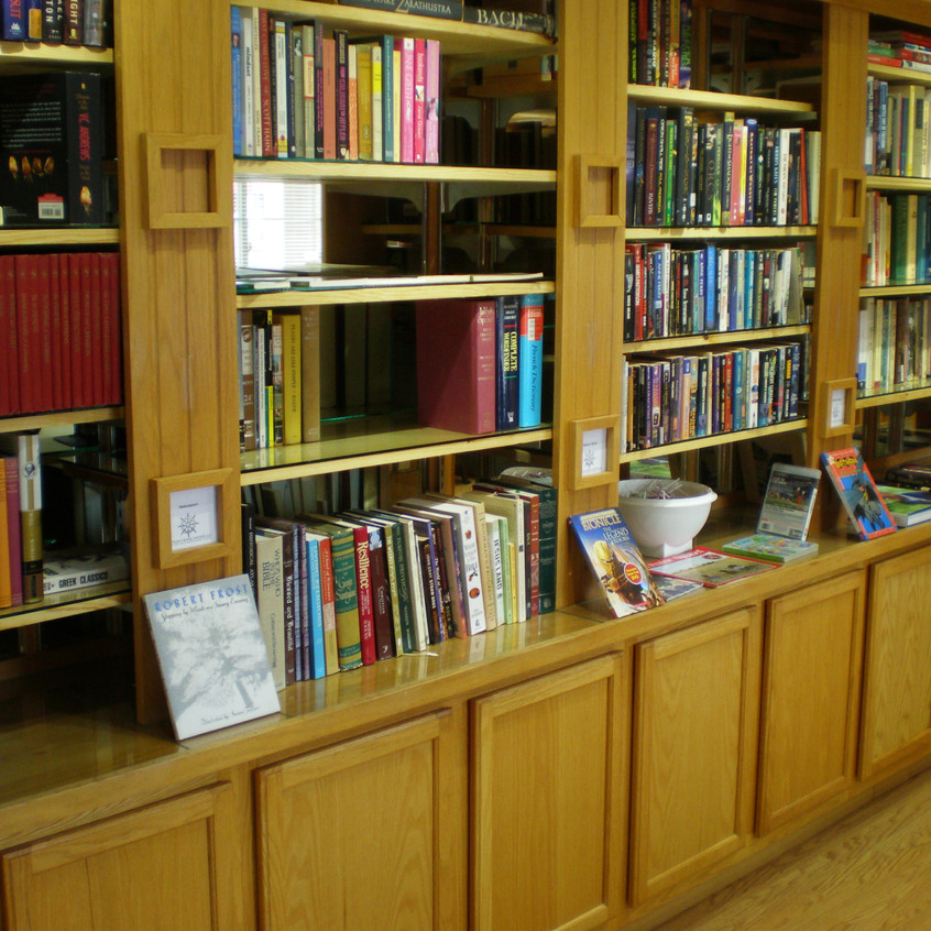 -61218 Captains Book Store