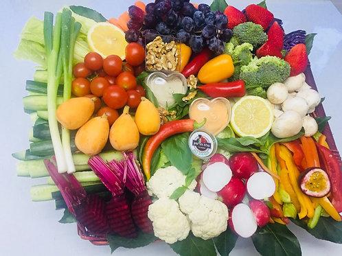 סלסלת איכרים עם נגיעת פירות