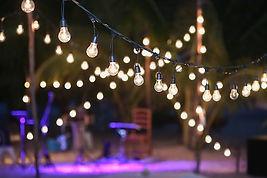 2-backyard-lighting-home-design-trends-2
