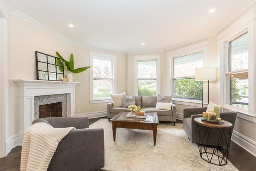 11-Living Room (1).jpg
