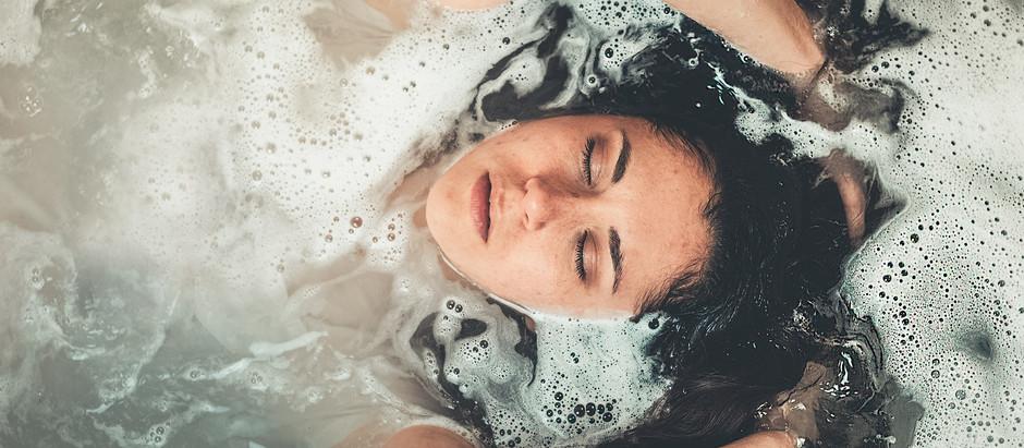 Heaven at home - aromatic bath blend ideas.