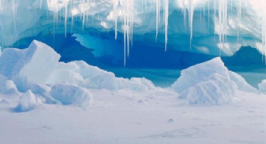 Icy-Christmas-Cave_lg.jpeg
