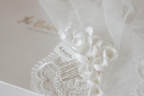 Bridal comb - White flower