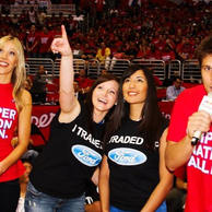 Guess who won?! Showing off my dunk photo center court at the Clippers playoff game