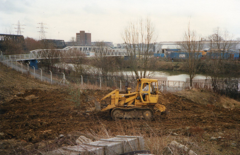 1995 - Clearing the site near the Nene -