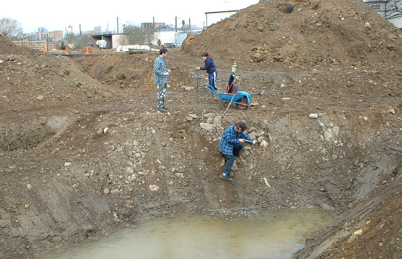 Cutting out the large pond in 2005 - Bri