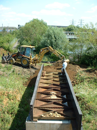 Cat&Daisys Bridge2LokingS.JPG