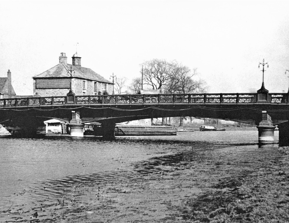 Pboro's cast Iron River Nene Bridge - 18