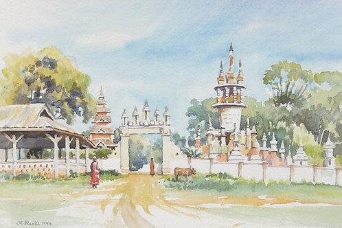 Pagoda near Maymyo, 1994