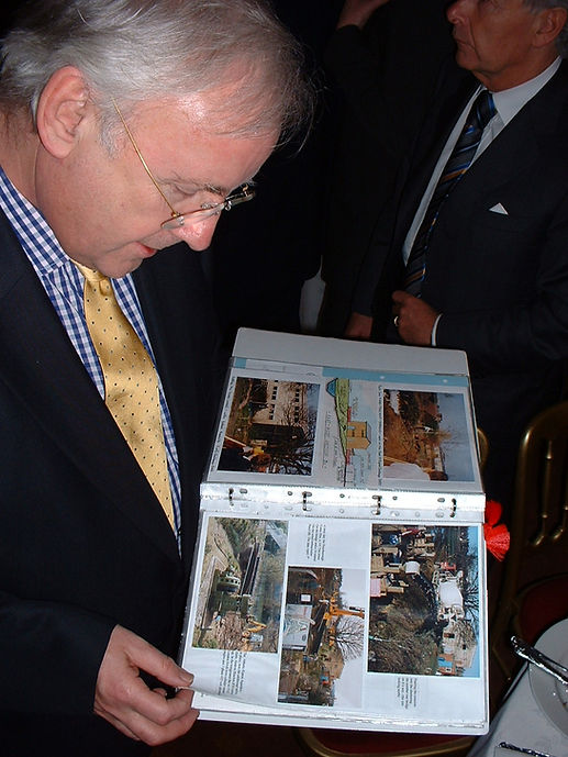 Pic 11 - Pete Waterman Views our Project