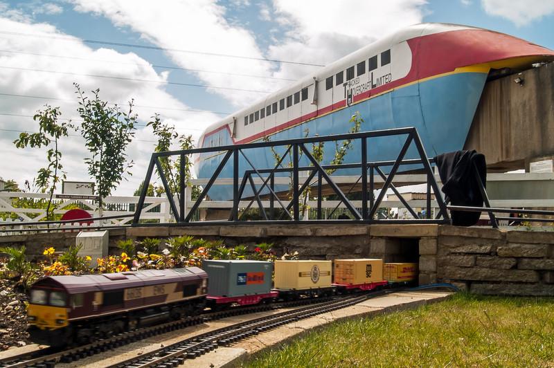 Garden Railway at Railworld .... With RT