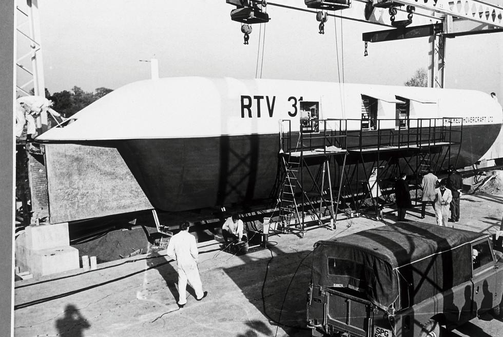 Work on RTV 31 on the Earith site.jpg
