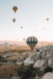 hot-air-balloons-in-the-sky-3879070.jpg