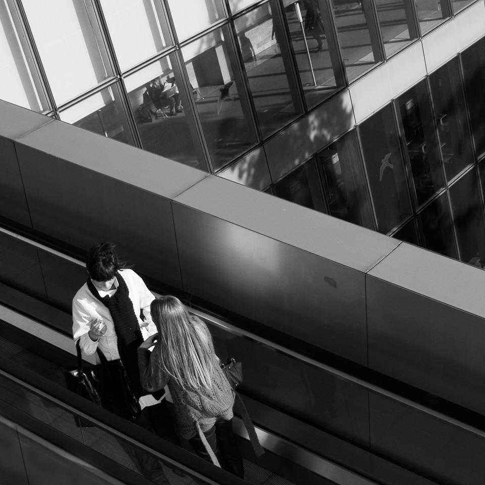 Papotage sur l'escalator