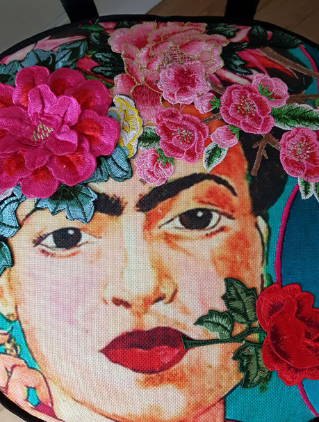 Upcycling de chaise FRIDA KAHLO PELFRAN