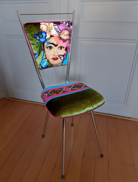 RELOOKING-CHAISE-FRIDA-VERTE 1