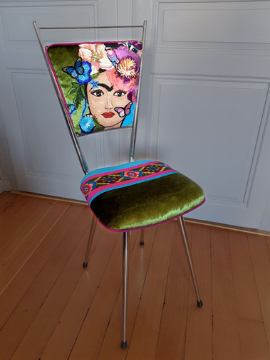 RELOOKING-CHAISE-FRIDA-VERT1