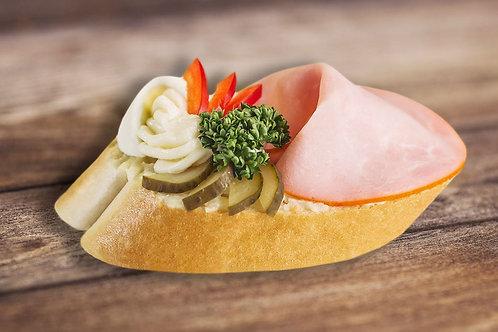 Chlebíček s debrecínkou