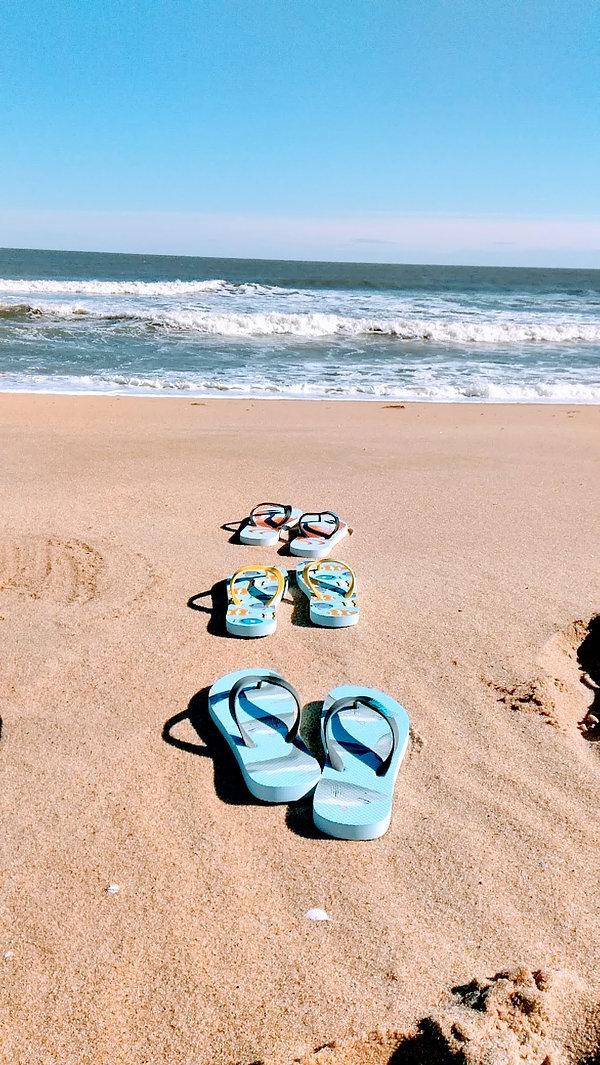 beachcomber flip flops beach_2.jpg