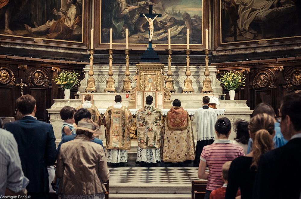Messe dans la forme extraordinaire du rite romain en latin - Abbé Bertrand Lacroix de la fraternité saint Pierre