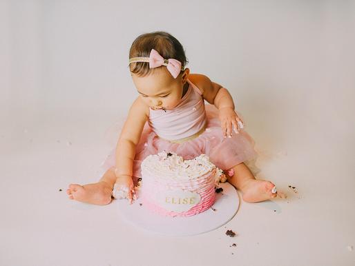Elise turns one - family session + cake smash