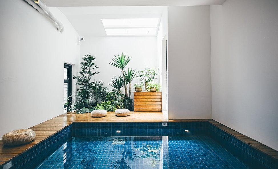 日造民宿 泳池