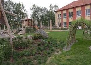 přírodní zahrada 2.jpg
