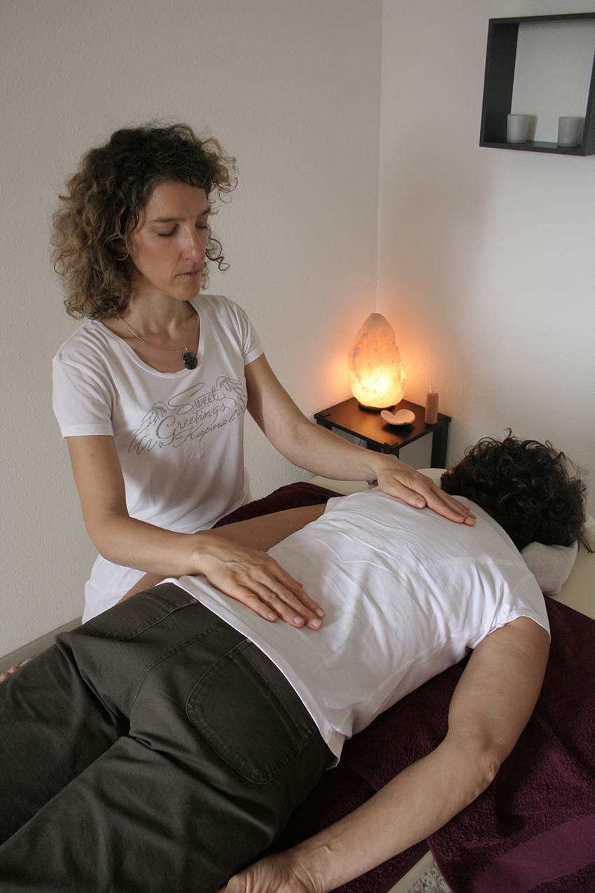 REIKI IMPOSITION MAIN