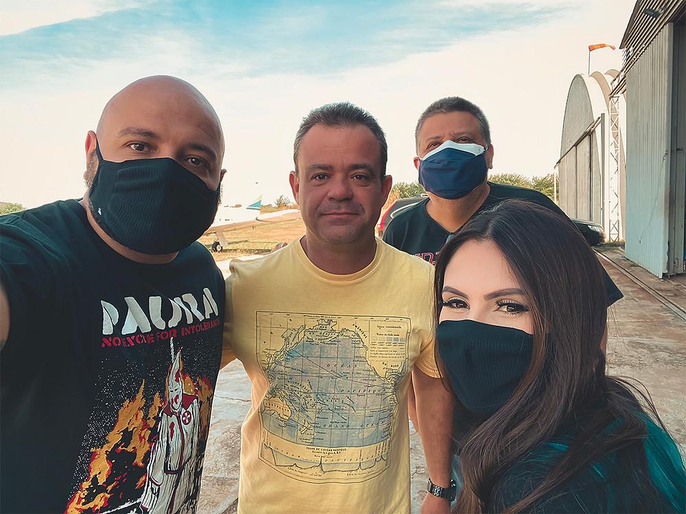 Eu, comandante Guilherme Longaretti, Marco Masse e Carol Trevisan